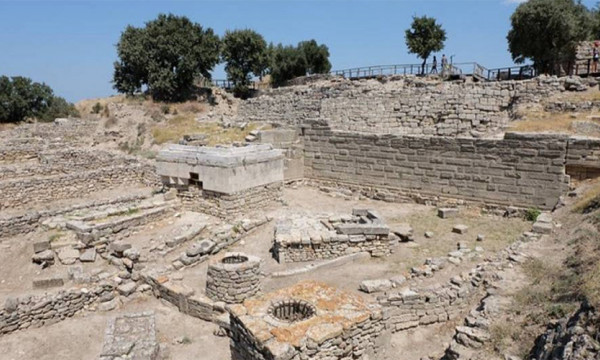 Tour to Helen of Troy